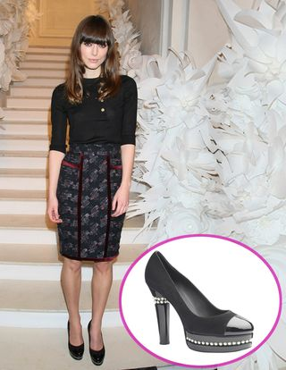 Fashiontribes.com Fashion Blog - Style, Beauty, Luxury Lifestyle & Shopping: Keira Knightley Gives Good Shoe at Chanel Couture