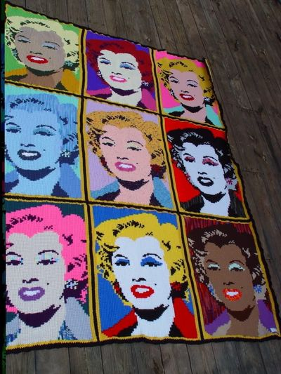 Andy warhol lips rug