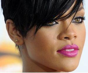 Rihanna pink lipstick cle de peau