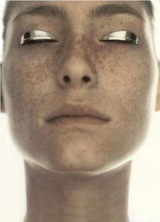 Shiny metallic gray grey eyeshadow makeup trend