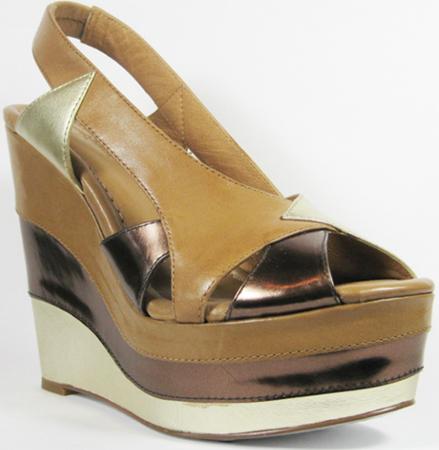 Decades modern vintage 80s shoe