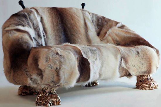 Has brothers fur animal foot sofa couch