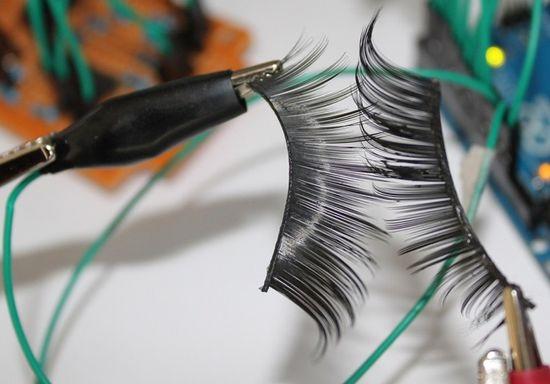 Katia vega remote control eyelashes