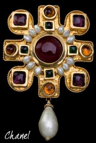 Chanel cruciform pearl baroque brooch