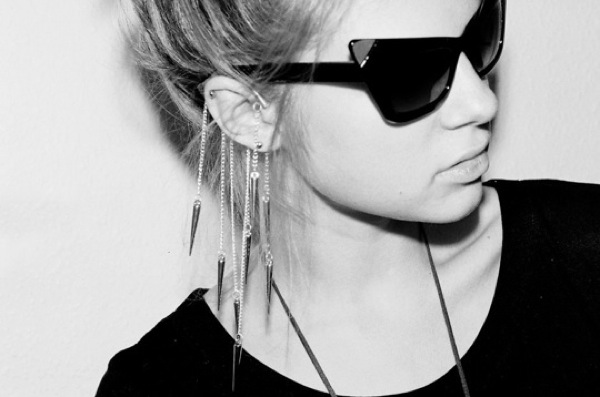 Anni jurgenson ear cuff estonian fashion designer