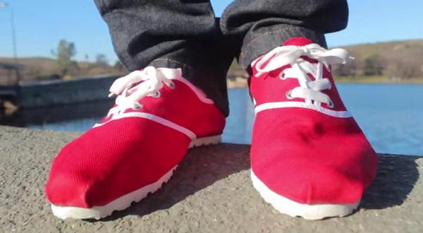 Alpargatas in red