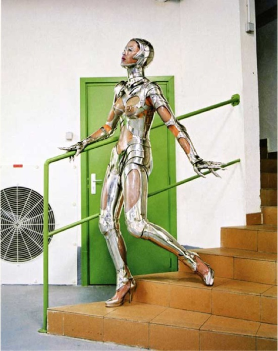 Mugler robot cyborg fashion vogue
