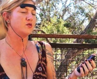 Neurophone techno meditation
