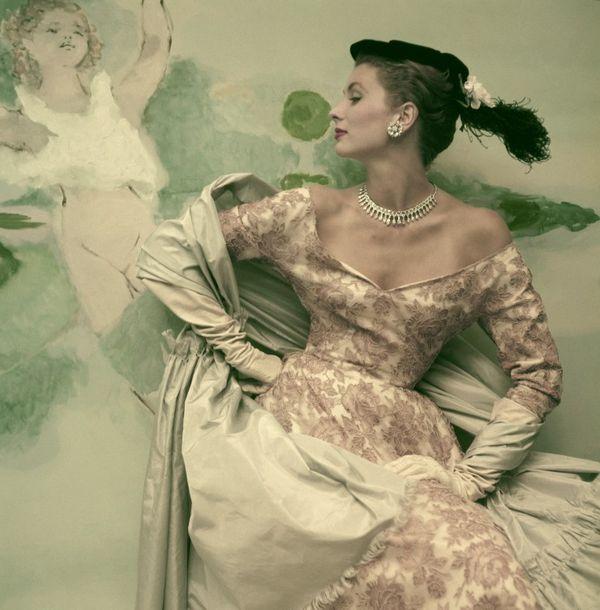 Cristobal balenciaga fashion history lace exhibition exhibit museum calais