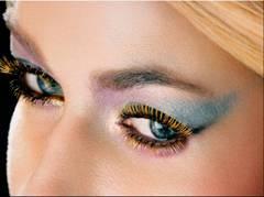 Carmen Electra Max Factor Vivid Lash Gold Mascara Eyecatching Beauty