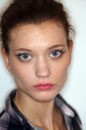 Marchesa fall 2008 makeup by stila dramatic smokey smoky eye