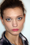 Marchesa_fall_2008_makeup_stila_3