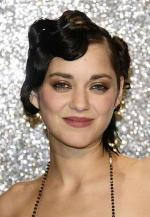 Marion cotillard red carpet smoky eye