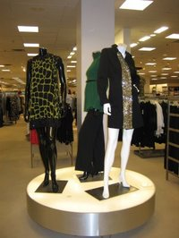 Retail_fashion_displays