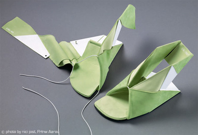 Foldable EIN/TRITT origami shoes Catherine Meuter