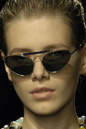 Tough touches dries van noten Matrix sunglasses