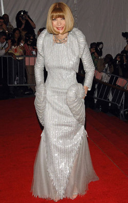 Anna_wintour_met_gala_gown_2