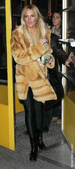 Lindsay_lohan_mink_coat_3