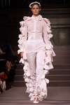 Viktor_rolf_spring_2002_all_white