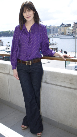 Michelle_monaghan_purple_blouse_2