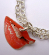 Red_lips_pendant_necklace_clevin_je