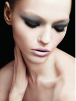 Sexy_smoky_eye_fall_makeup_trends