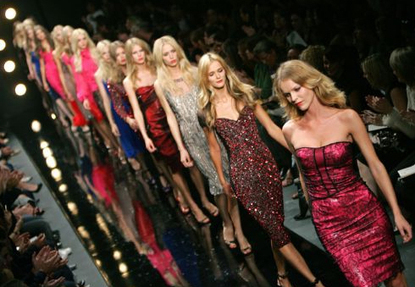 Fashion_week_runway_show