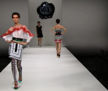 Viktor_rolf_online_fashion_show_200