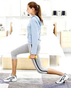 Woman_doing_lunges