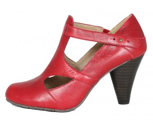 Red_shoes_cone_heel_2