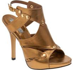Beyonce_bronze_gladiator_2