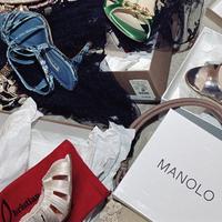 Closet_jumble_of_shoes