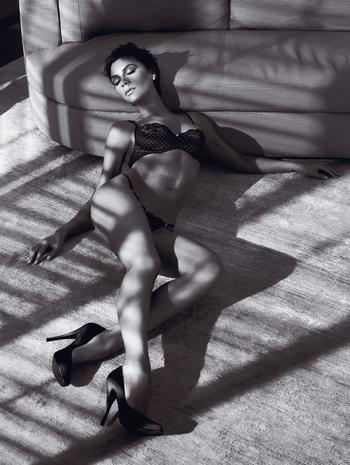Victoria_beckham_armani_underwear_2