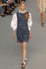 трикотажные платья от Chanel 2012.