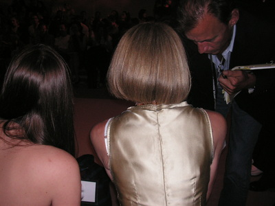 Anna_wintour_back_of_head_fw