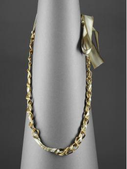 Banana_chain_and_ribbon_necklace
