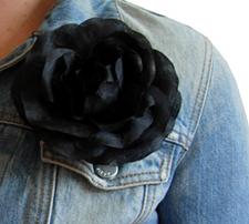 Black_silk_rose