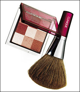 Clinique_shimmering_powder_brush