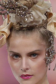 Diamonds_in_hair_lacroix_blonde