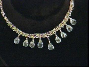 Diy_r_n_r_crocheted_necklace