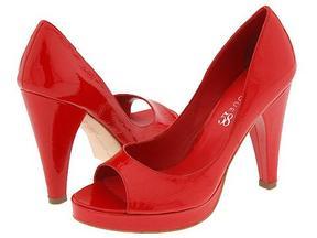 الاحمر الرائع ..لعشاق الاحمر ft_tidbit_red_shoes_1.jpg