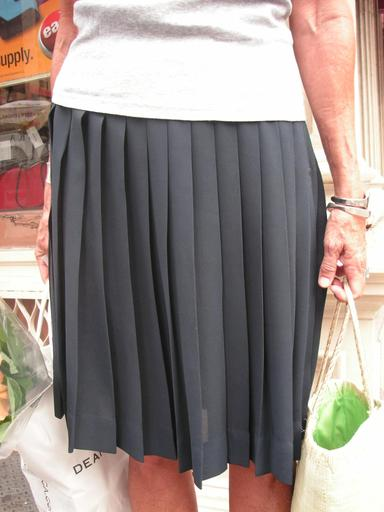 Great_necklace_skirt_closeup_805