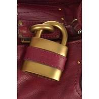 Interpretation_chloe_lock_closeup