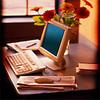 Office_uncluttered_desk
