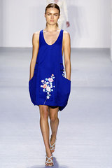 Paco_rabanne_2_blue_dress_flower_graphic