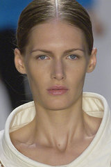 Paco_rabanne_detail_hair_makeup_collar