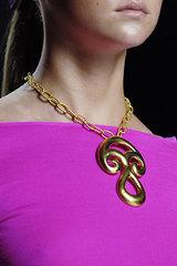 Pucci_gold_pendant_necklace
