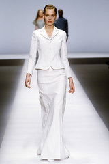 Rochas_16_white_fl_length_skirt