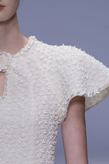 Rochas_detail_white_sleeve
