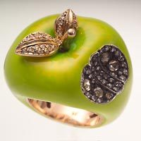 Sevan_apple_ring